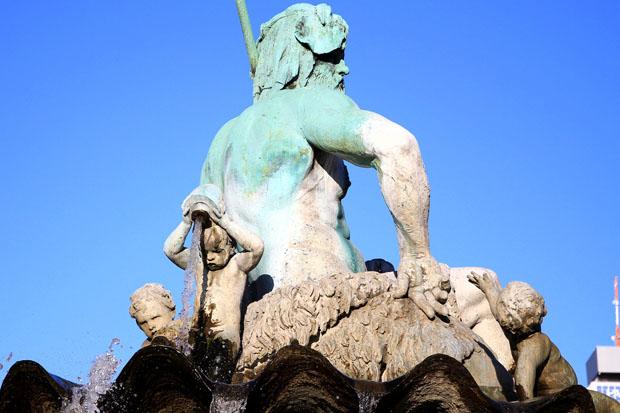 Berliner-neptunbrunnen (2)