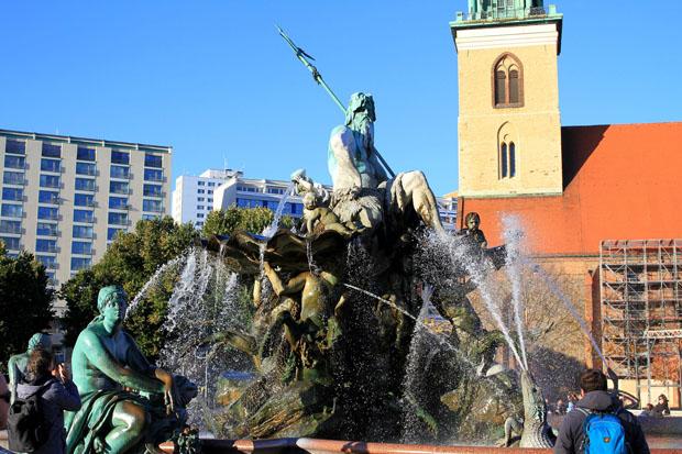 Berliner-neptunbrunnen (3)