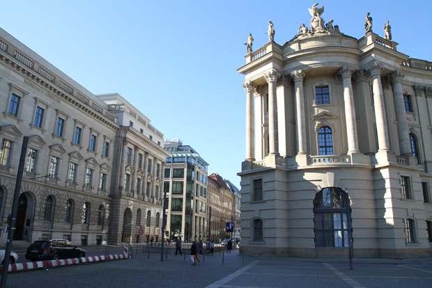 Bebelplatz-Berlin7
